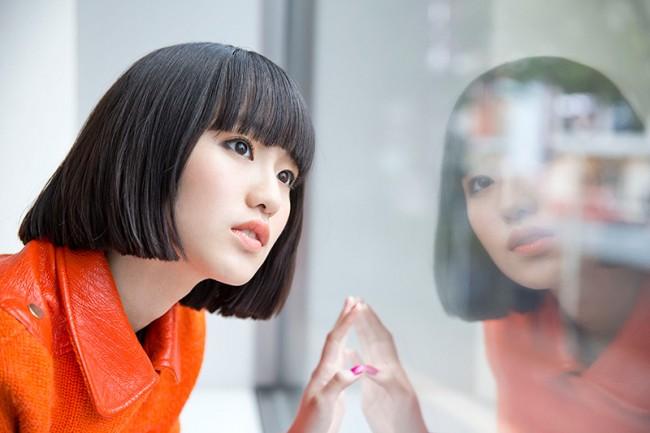 越野アンナの本名は?小林武史の娘で妹はHARUHIという音楽一家